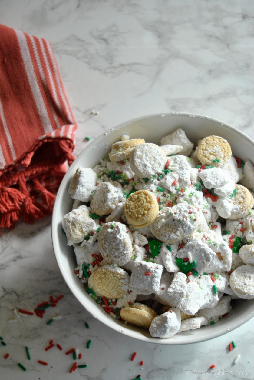 Christmas Puppy Chow.Christmas Cookie Puppy Chow